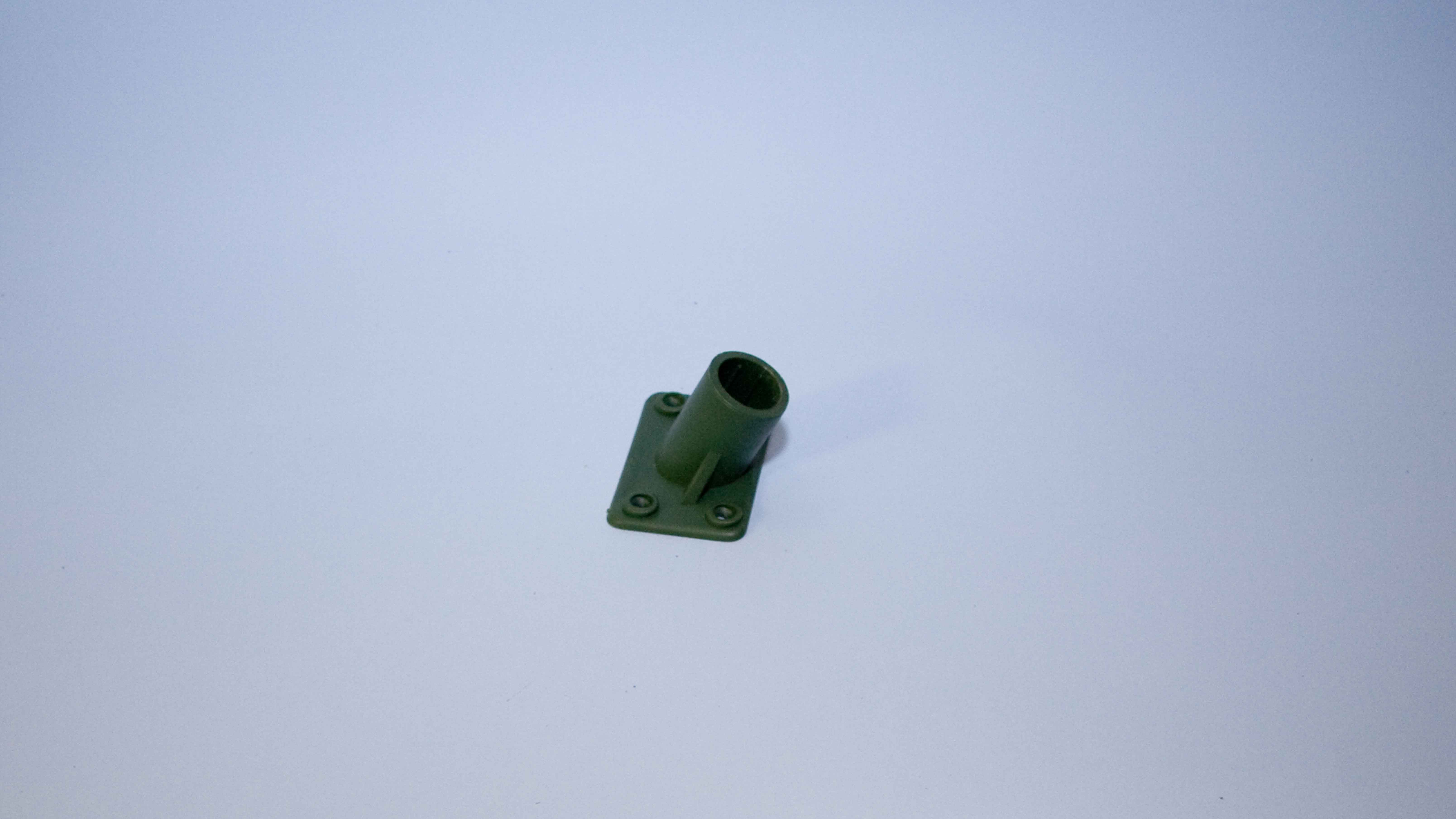 BROOM SOCKET PLASTIC 4 HOLE 15/16 EA.