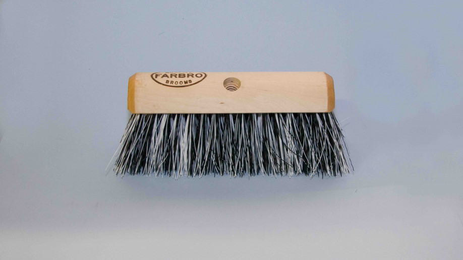 10.5 26CM BLACK & WHITE POLY YARD BROOM WAXED ENDS EA